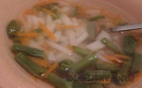 Суп с дайконом и фасолью