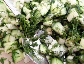 Освежающий салат с огурцом